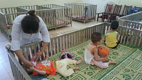 Trẻ em chùa Bồ Đề bỡ ngỡ trong 'ngôi nhà mới' ảnh 8