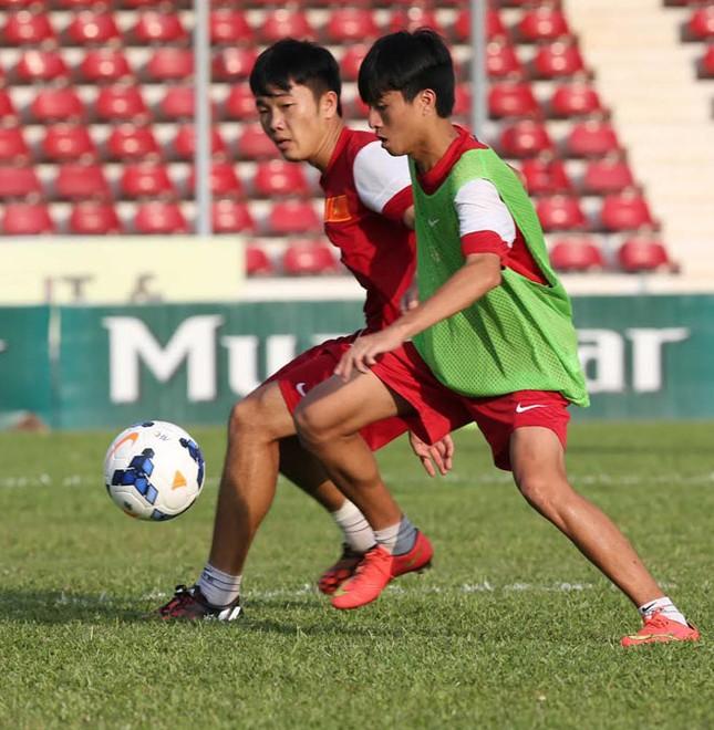 [ẢNH] U19 Việt Nam đội nắng luyện binh trước giờ ra trận ảnh 2
