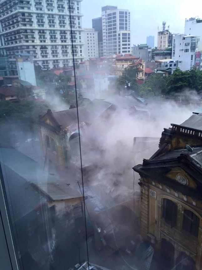 Sập nhà cũ ở Hà Nội, hai người tử vong dưới đống đổ nát ảnh 5
