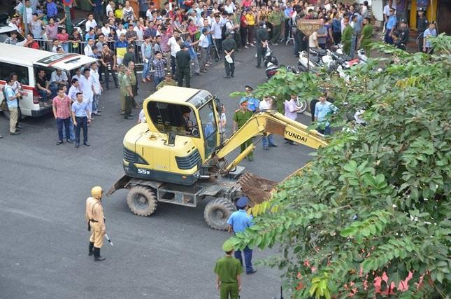Sập nhà cũ ở Hà Nội, hai người tử vong dưới đống đổ nát ảnh 13