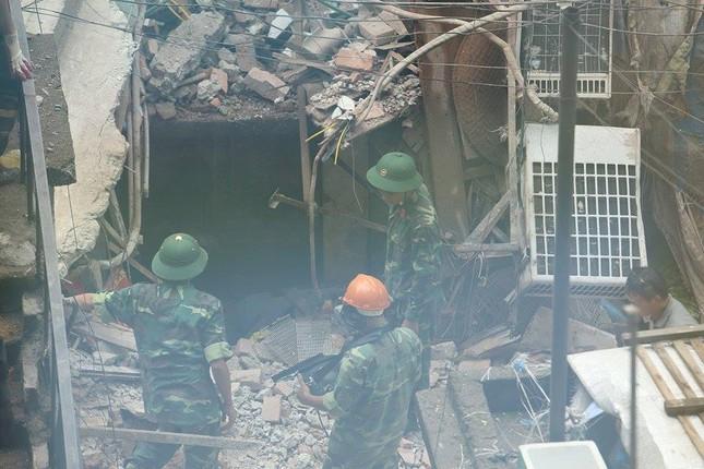 Sập nhà cũ ở Hà Nội, hai người tử vong dưới đống đổ nát ảnh 43
