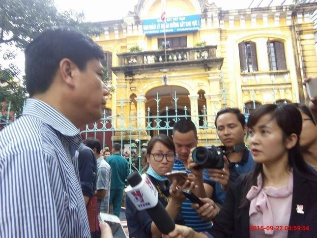 Sập nhà cũ ở Hà Nội, hai người tử vong dưới đống đổ nát ảnh 39