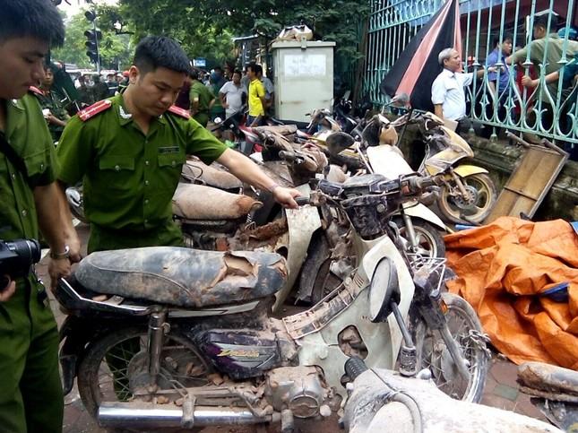 Sập nhà cũ ở Hà Nội, hai người tử vong dưới đống đổ nát ảnh 21