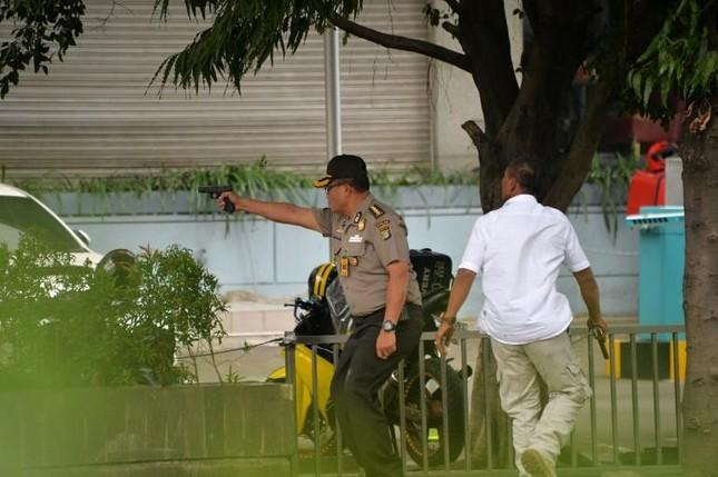 Tiêu diệt và bắt giữ 9 nghi phạm đánh bom rúng động Jakarta ảnh 2