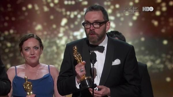 Leo Dicaprio giành tượng vàng Oscar sau 20 năm chờ đợi ảnh 24
