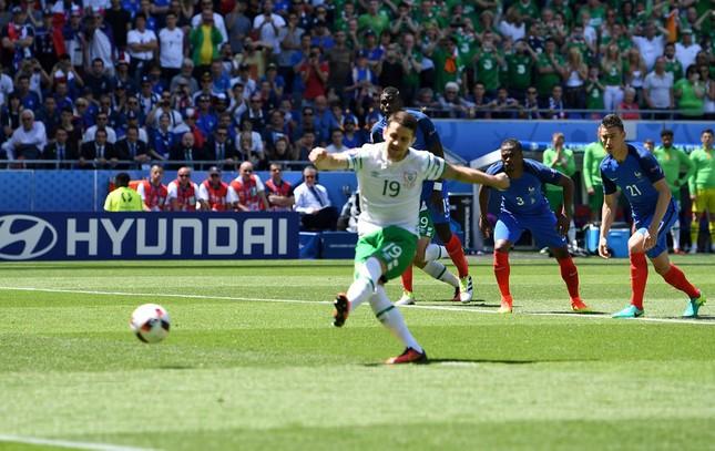 [VIDEO] Mục kích bàn thua sốc của tuyển Pháp ảnh 3