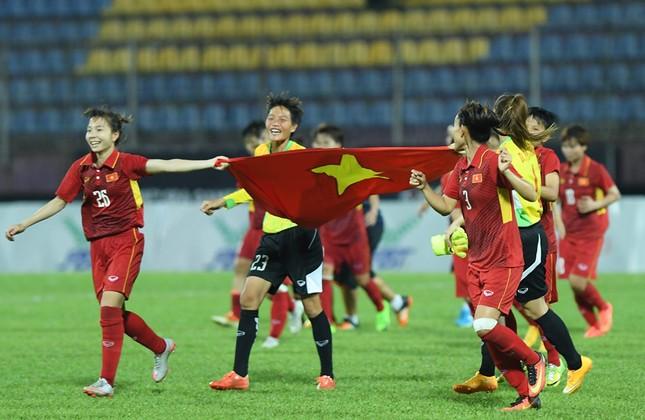 Giao lưu trực tuyến với những 'cô gái vàng' bóng đá Việt ảnh 15