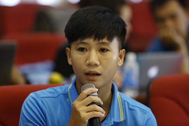 Giao lưu trực tuyến với những 'cô gái vàng' bóng đá Việt ảnh 14