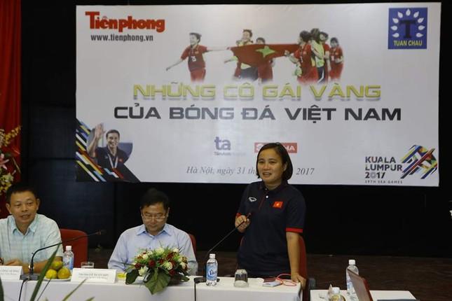 Giao lưu trực tuyến với những 'cô gái vàng' bóng đá Việt ảnh 3