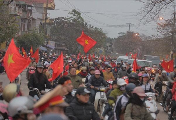 Thủ quân U23 Việt Nam được chào đón như người hùng ở quê nhà ảnh 5