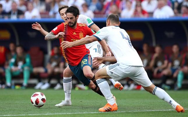 Thắng nghẹt thở Tây Ban Nha bằng 'đấu súng', Nga tiến vào tứ kết ảnh 17