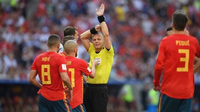 Thắng nghẹt thở Tây Ban Nha bằng 'đấu súng', Nga tiến vào tứ kết ảnh 18