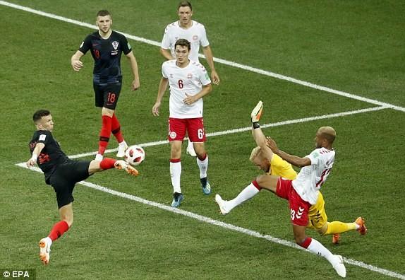 Croatia vào tứ kết sau trận thắng 'vỡ tim' trên chấm 11m ảnh 16
