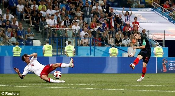 Croatia vào tứ kết sau trận thắng 'vỡ tim' trên chấm 11m ảnh 21