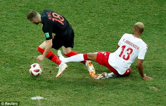 Croatia vào tứ kết sau trận thắng 'vỡ tim' trên chấm 11m ảnh 28