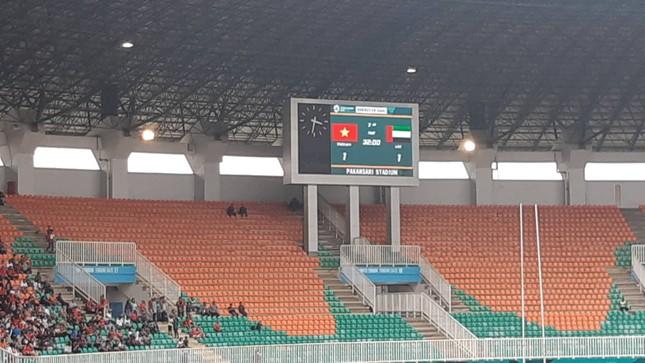 Cổ động viên tiếc nuối khi Việt Nam thua ở loạt penalty ảnh 28