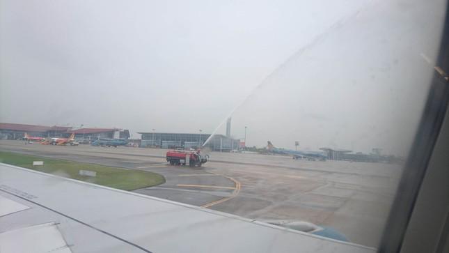 Olympic Việt Nam đã về tới sân bay Nội Bài ảnh 42