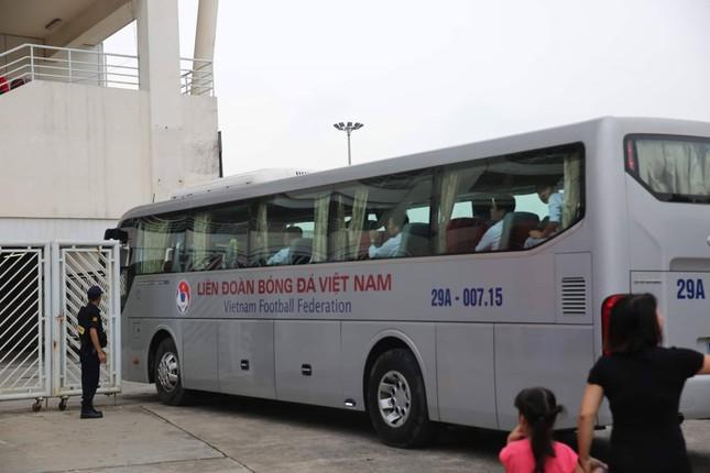 Olympic Việt Nam đã về tới sân bay Nội Bài ảnh 61