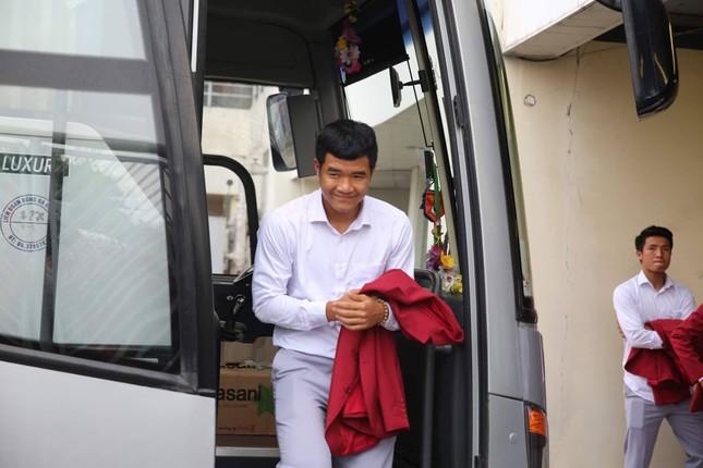 Olympic Việt Nam đã về tới sân bay Nội Bài ảnh 65
