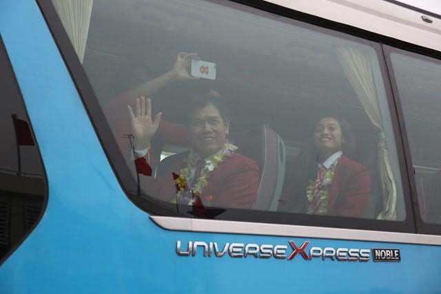 Olympic Việt Nam đã về tới sân bay Nội Bài ảnh 62