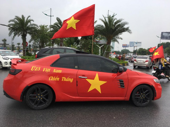 Olympic Việt Nam đã về tới sân bay Nội Bài ảnh 36