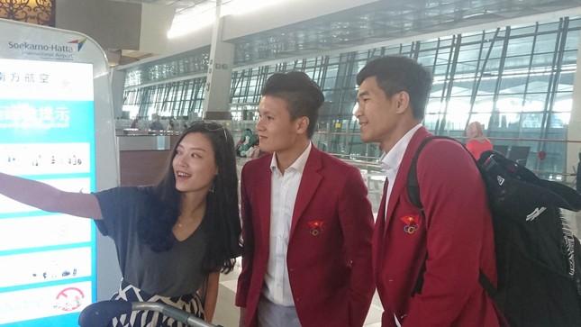 Olympic Việt Nam đã về tới sân bay Nội Bài ảnh 4