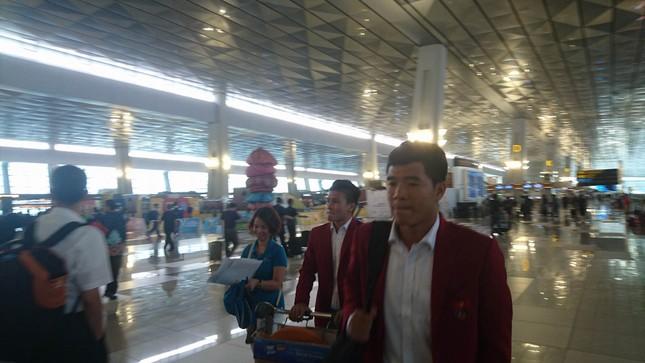 Olympic Việt Nam đã về tới sân bay Nội Bài ảnh 3