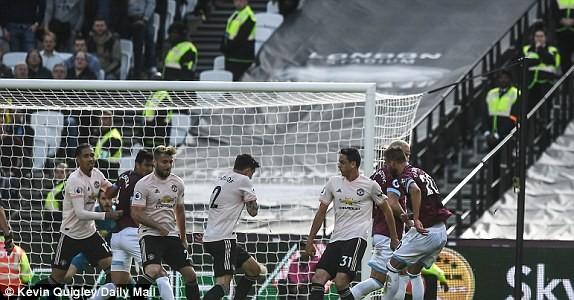West Ham vs M.U (3-1): Quỷ đỏ sa lầy ảnh 8