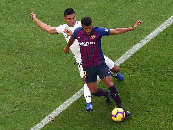 Suarez lập hat-trick, Barcelona vùi dập Real Madrid ở Siêu kinh điển ảnh 6
