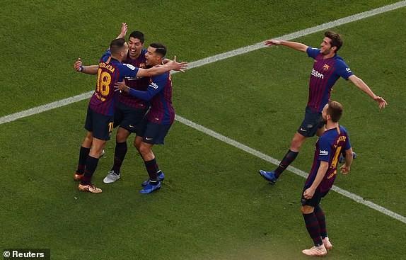 Suarez lập hat-trick, Barcelona vùi dập Real Madrid ở Siêu kinh điển ảnh 8
