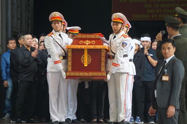 Tiễn biệt 3 liệt sĩ công an hy sinh ở Đồng Tâm ảnh 30