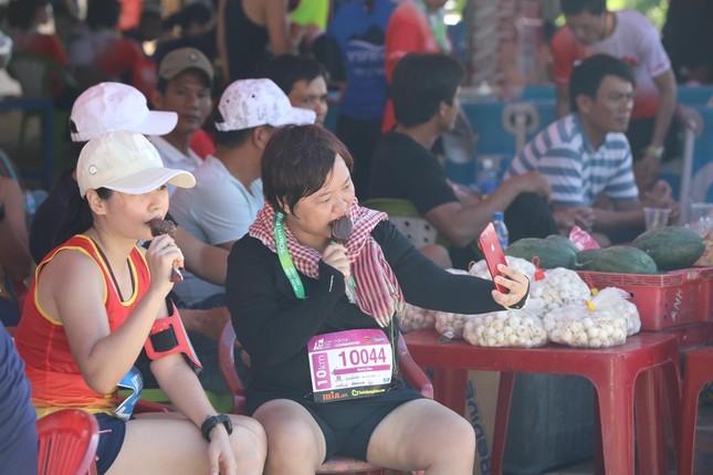 Tiền Phong Marathon 2020: Chiếc bể ngâm đá đặc biệt ở Lý Sơn ảnh 6