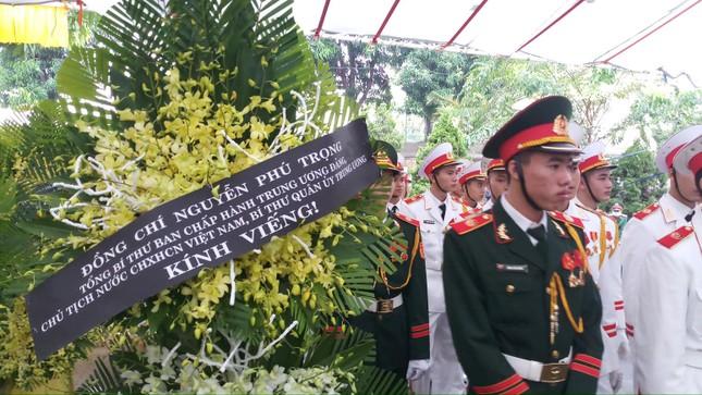 Hàng ngàn người tiễn biệt 13 liệt sĩ hy sinh tại Rào Trăng ảnh 2