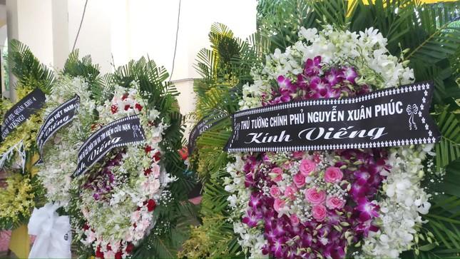 Hàng ngàn người tiễn biệt 13 liệt sĩ hy sinh tại Rào Trăng ảnh 3