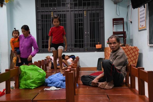 Bão số 9 áp sát, Quảng Ngãi mưa lớn, gió rít từng hồi ảnh 2