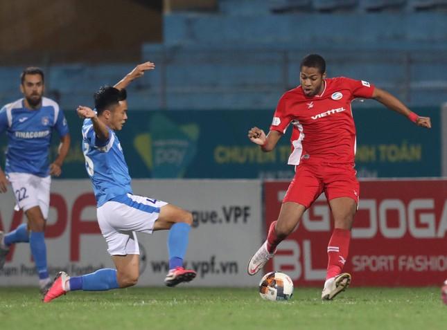 Thắng Quảng Ninh, Viettel tiệm cận ngai vàng V-League ảnh 1