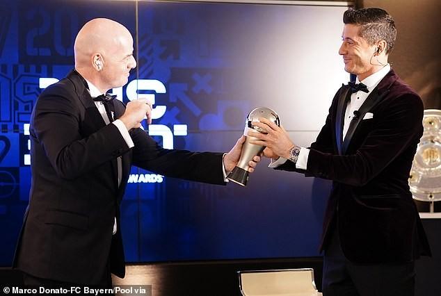 Ngôi sao Lewandowski giành giải Cầu thủ xuất sắc nhất 2020 ảnh 1
