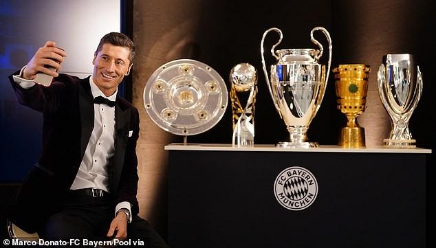 Ngôi sao Lewandowski giành giải Cầu thủ xuất sắc nhất 2020 ảnh 2
