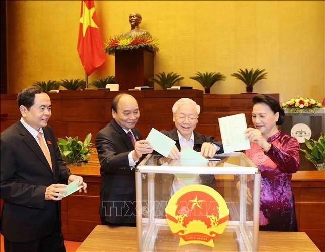 Hình ảnh tân Chủ tịch Quốc hội Vương Đình Huệ tuyên thệ nhậm chức ảnh 3