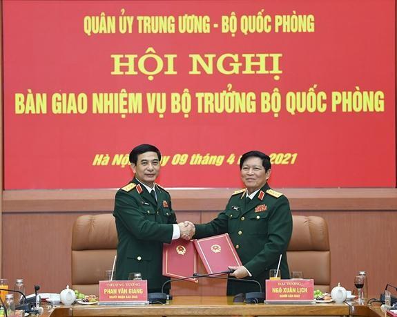 Bàn giao nhiệm vụ Bộ trưởng Bộ Quốc phòng ảnh 1