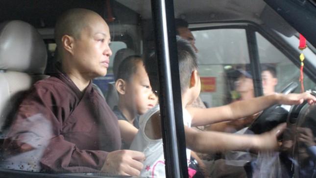 Chuyển 18 trẻ khỏi chùa Bồ Đề ảnh 6