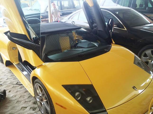 Thu giữ siêu xe Lamborghini dùng giấy tờ giả của đại gia phố núi ảnh 2