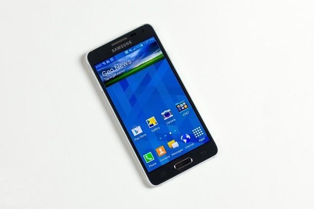 Loạt smartphone mất giá đầu năm 2015 ảnh 6