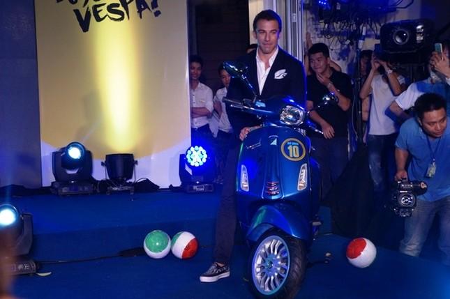 Vespa Sprint phiên bản Del Piero giá bao nhiêu? ảnh 1