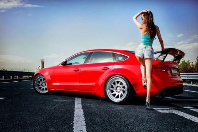 Mỹ nhân khỏe đường cong 'gây mê' bên Audi A5 độ độc ảnh 4