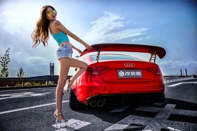 Mỹ nhân khỏe đường cong 'gây mê' bên Audi A5 độ độc ảnh 6