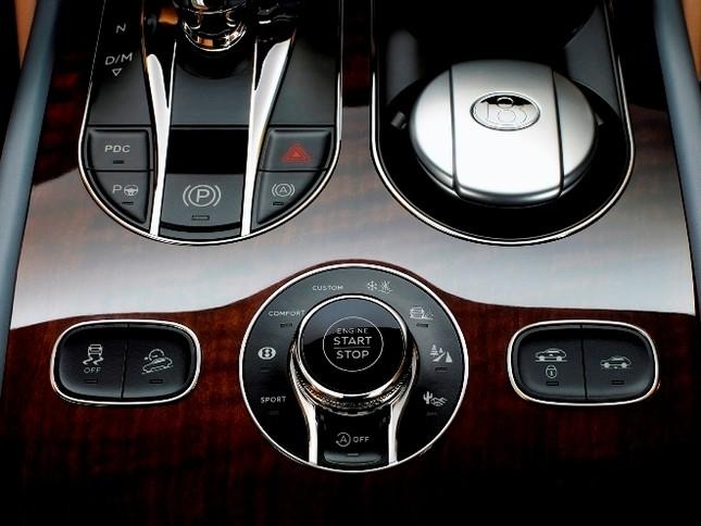Bentley gây sốc với chiếc SUV Bentayga ảnh 15