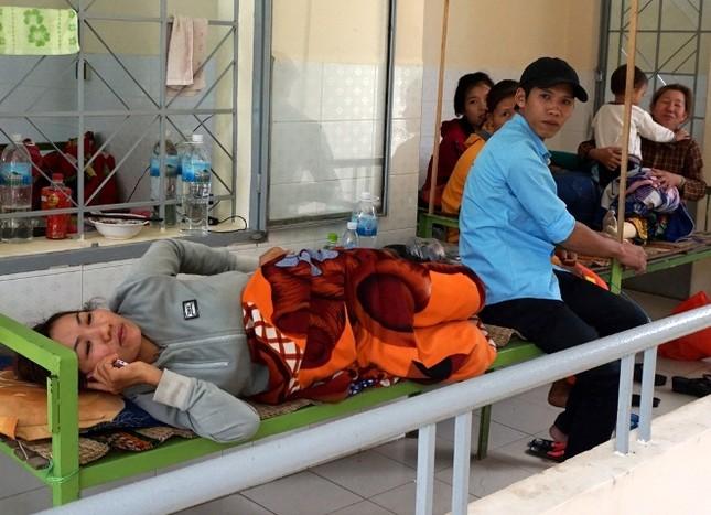 Bệnh viện quá tải bệnh nhân sốt xuất huyết ảnh 4