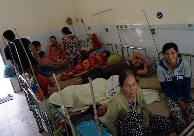 Bệnh viện quá tải bệnh nhân sốt xuất huyết ảnh 3
