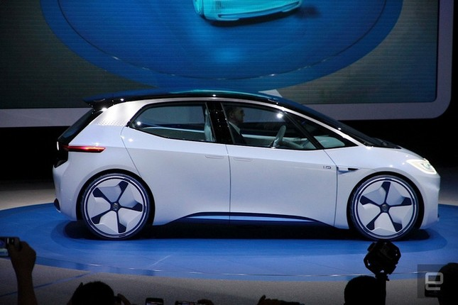 Dính 'phốt' khí thải, Volkswagen quay sang phát triển xe điện ảnh 1